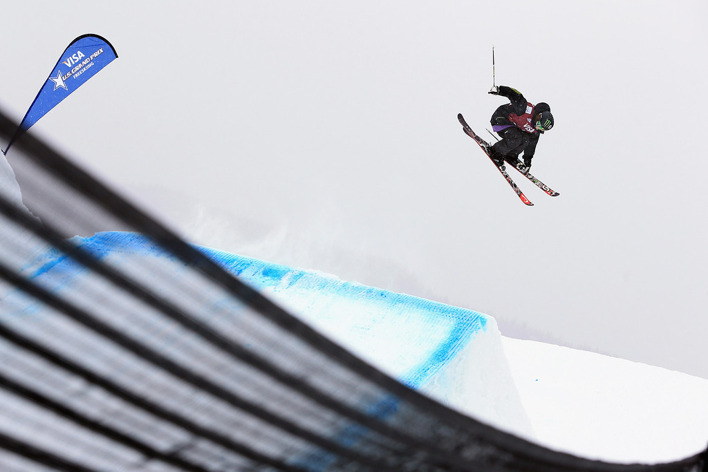 . Keri Herman skis to seventh place in the women\'s FIS Slopestyle Ski World Cup at the U.S. Snowboarding and Freeskiing Grand Prix on December 21, 2013 in Copper Mountain, Colorado.  (Photo by Doug Pensinger/Getty Images)