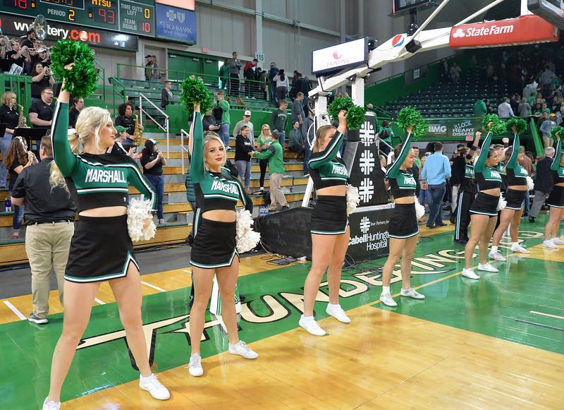 cheerleaders5152.jpg