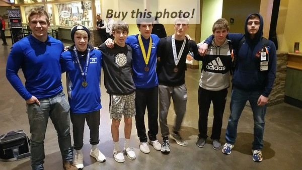 BBE wrestlers at STATE 02-29