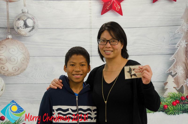 Christmas Photobooth 2018 Sunday-146.jpg