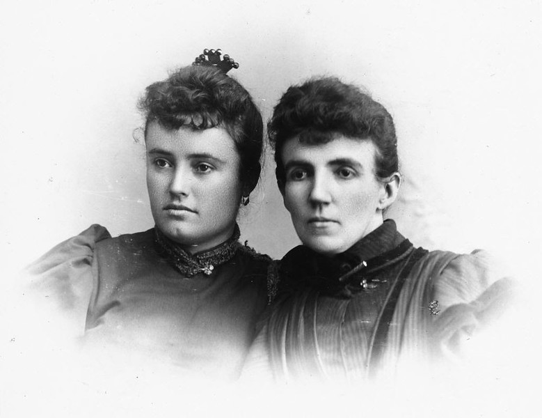 Yorba,AnitaTuffree-&-Patterson,JosieSmythe-1890s.jpg