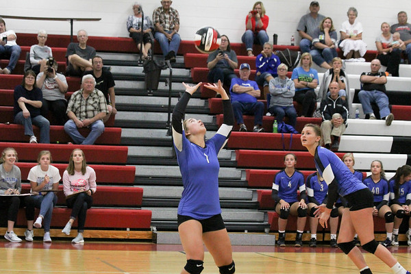 West Lyon volleyball at G-LR tournament 8-27-18