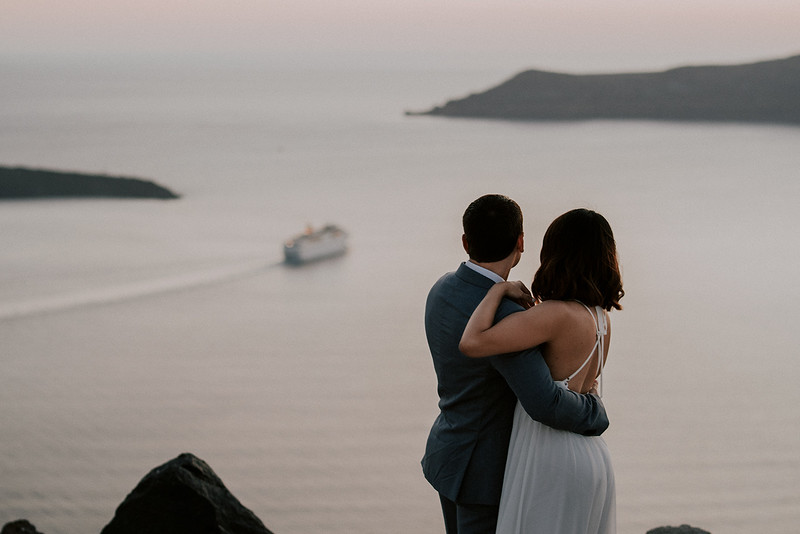 Tu-Nguyen-Destination-Wedding-Photographer-Santorini-Elopement-Alex-Diana-196.jpg