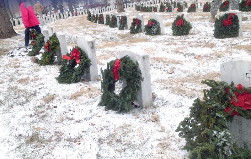 17846_Wreaths 1_3264x2064.jpg