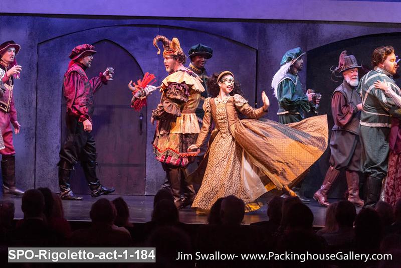 SPO-Rigoletto-act-1-184.jpg