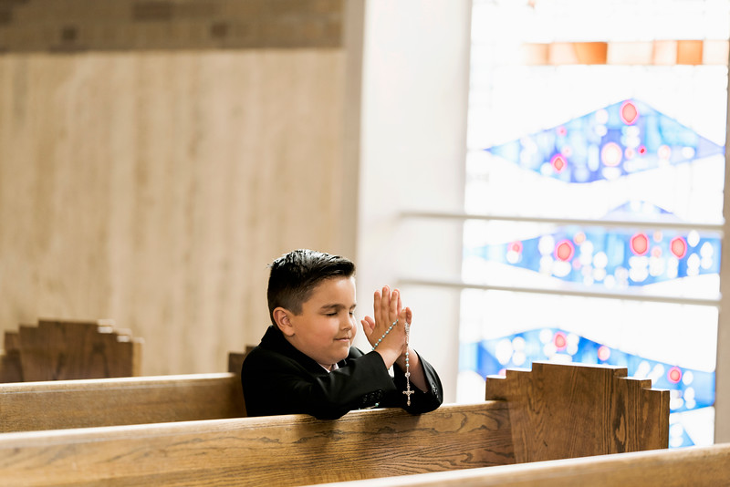 2019-divine-child-dearborn-michigan-first-communion-pictures-intrigue-photography-session-19.jpg