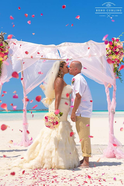 Private Sandbar Destination wedding in Exuma Bahamas photo by Reno Curling #renocurling