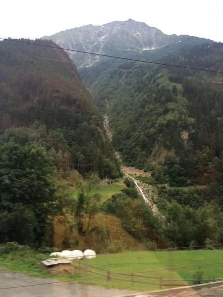 353_iPhone_Switzerland.jpg