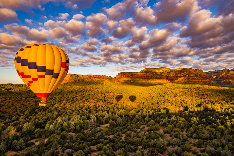 Balloon over Red Rocks