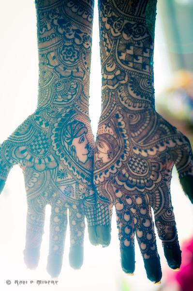 Jay Pooja Mehandi-90-Edit.jpg