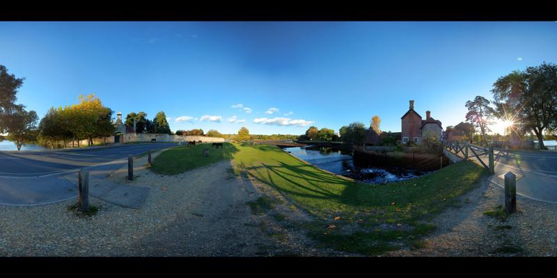 Beaulieu Green hdr panorama 2.jpg