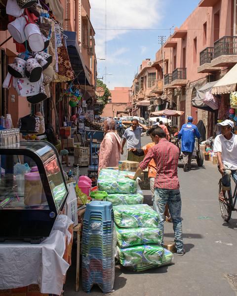 T2662 Marrakesh Street Scene