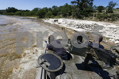 south-texas-ranch-offers-way-to-have-a-blast-with-tanks
