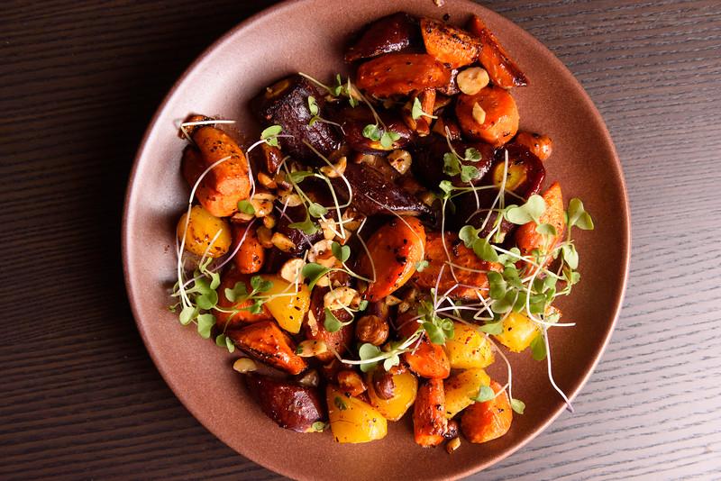 roast carrots with hazelnuts
