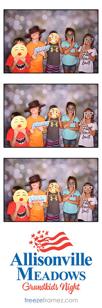 Freezeframez_Photo_Booths_013.jpg