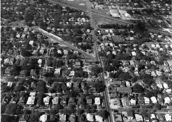 Hyde Park Village - 1967.jpg