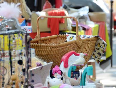 2011-09-25 Sidewalk sale