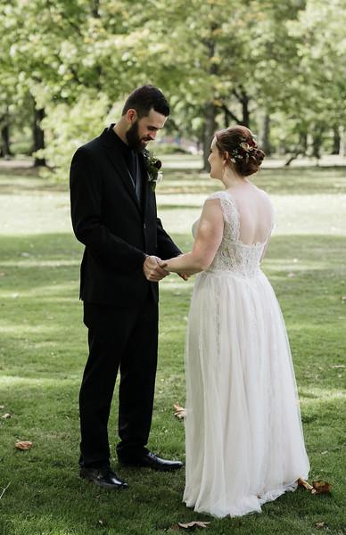 rustic_ohio__fall_barn_wedding-80.jpg