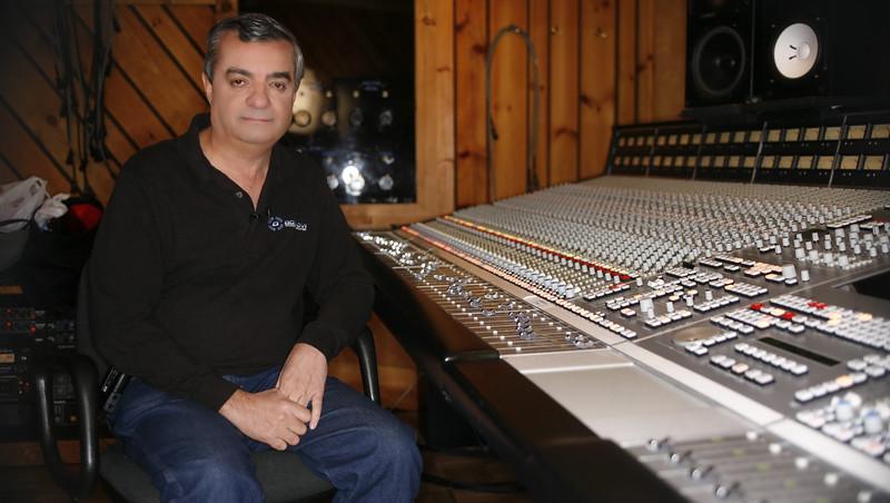 Tony-Bongiovi-Bongiovi-Acoustics (1).jpg