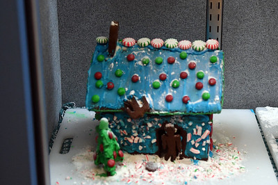 Gingerbread Houses (11/30/2017)