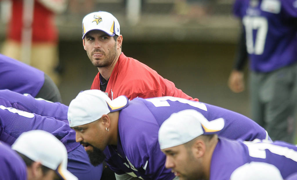 . Quarterback Christian Ponder during a run through. (Pioneer Press: Ben Garvin)