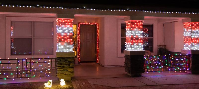 Phoenix Adobe Highlands Neighborhood Lights December 24, 2018  13.jpg