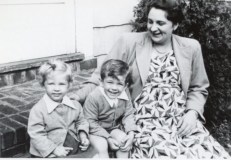 1951 Jeanne, John & Sue.jpg