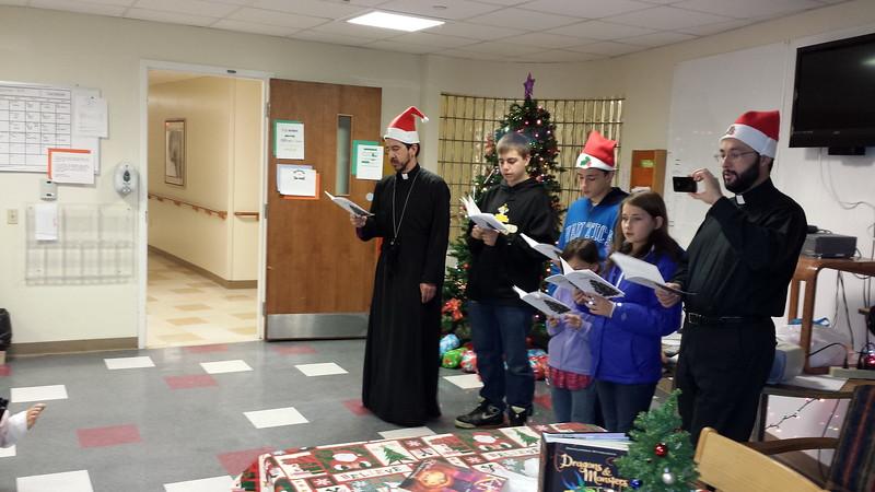 2013-12-23-GOYA-Christmas-Caroling_003.jpg