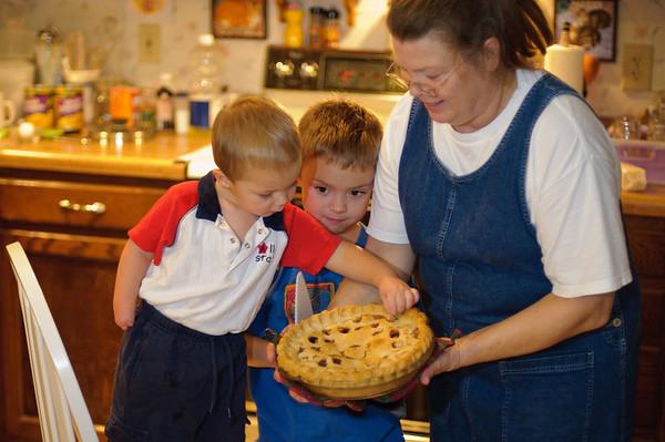 Nanny & the boys apple pie