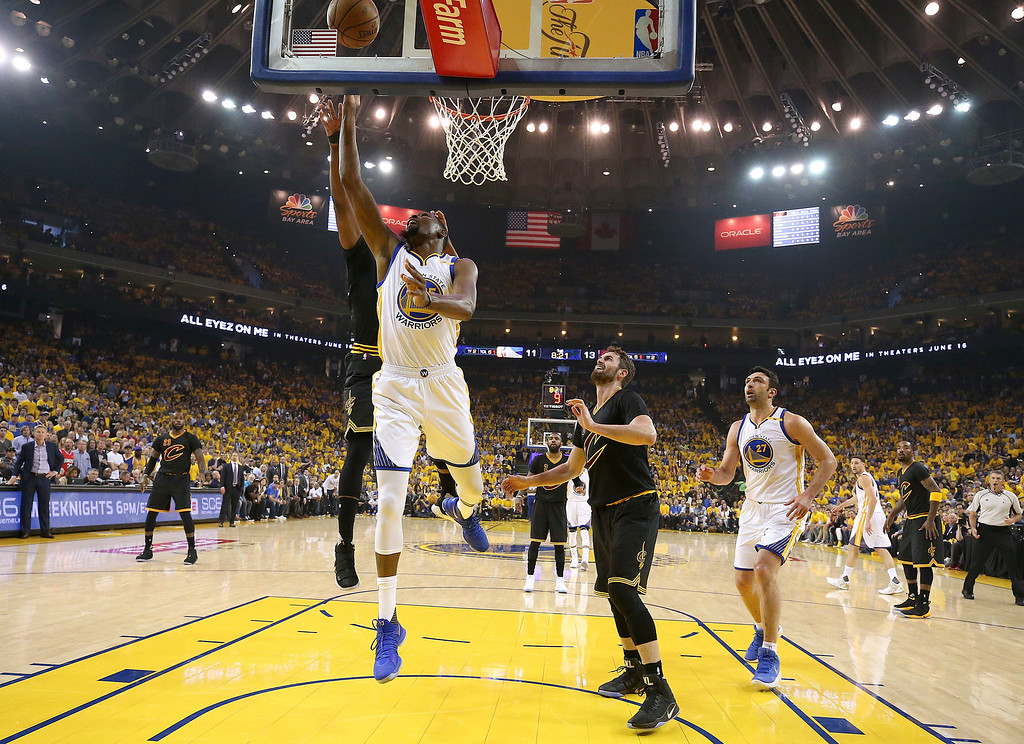 . Golden State Warriors forward Kevin Durant shoots against the Cleveland Cavaliers during the first half of Game 2 of basketball\'s NBA Finals in Oakland, Calif., Sunday, June 4, 2017. (Ezra Shaw/Pool Photo via AP)