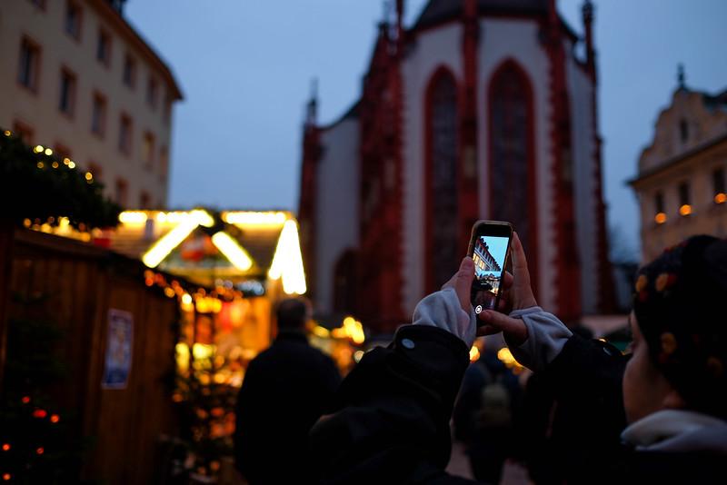 Wurzburg_ChristmasMarket-161126-24.jpg