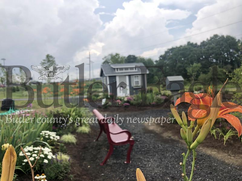 0707_LOC_Garden Tour1
