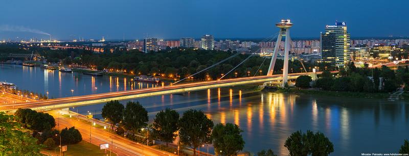 Bratislava_DSC1325-web.jpg