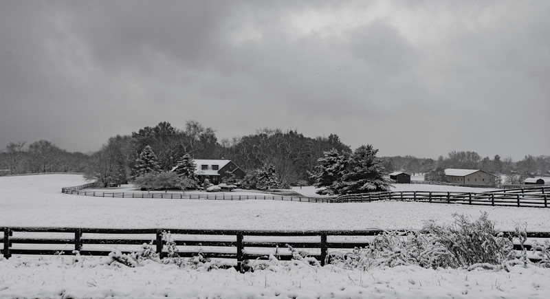 Snow-farmhouse.jpg