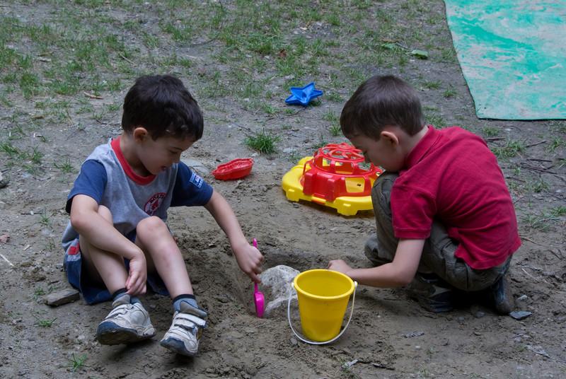 Ethan and Jordan   (Jul 06, 2007, 02:24pm)