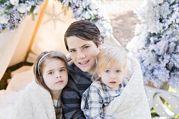 Jenessa {Christmas Family 2018}