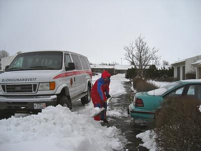 Ófærðarútkall 27. jan 2012