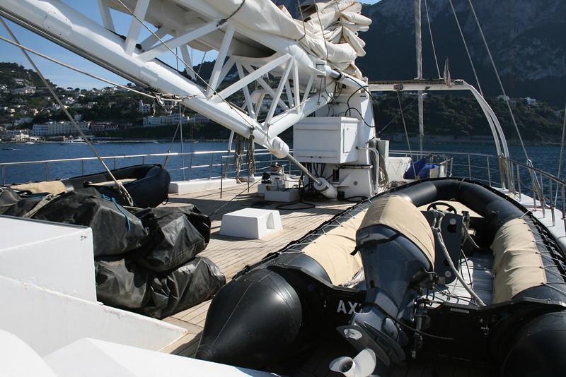 2011 - On board M/S LE PONANT : mast elevating engine.