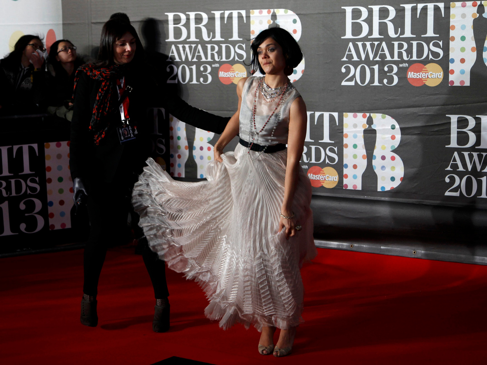 Description of . Bat For Lashes arrives for the BRIT Awards, celebrating British pop music, at the O2 Arena in London February 20, 2013. REUTERS/Luke Macgregor