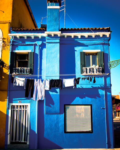 burano blue house-2.jpg