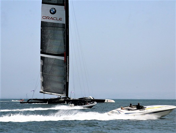 AMERICA'S CUP RACING-BMW ORACLE