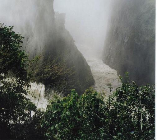 14_Victoria_Falls_ View_ Mist.jpg