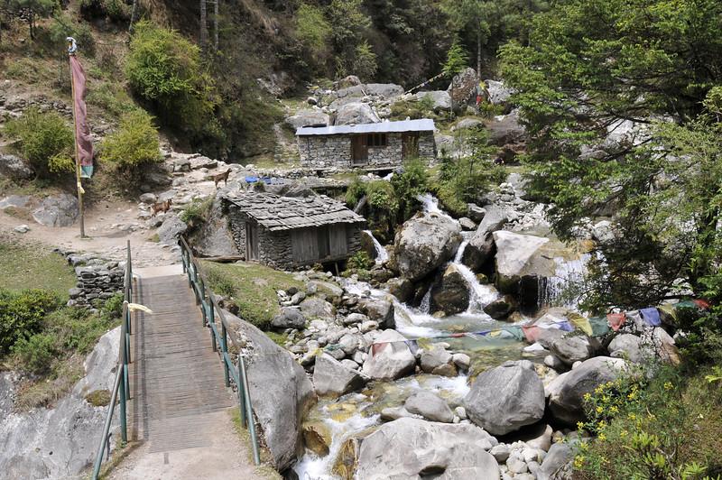 080516 2662 Nepal - Everest Region - 7 days 120 kms trek to 5000 meters _E _I ~R ~L.JPG