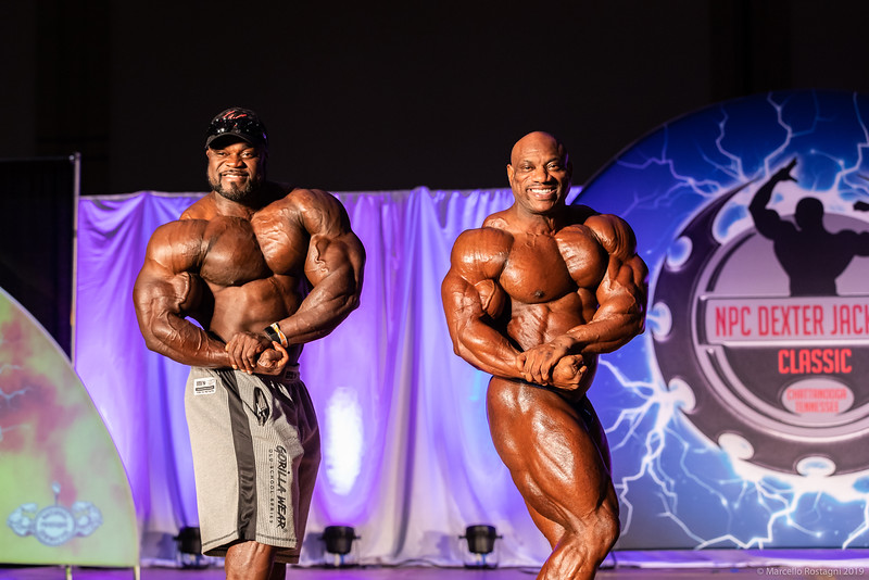 Fitness Photographer photographs Dexter Jackson and Brandon Curry Surprise pose down