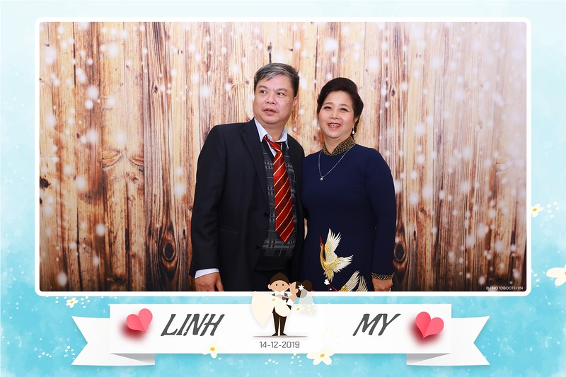 Linh-My-wedding-instant-print-photo-booth-in-Ha-Noi-Chup-anh-in-hnh-lay-ngay-Tiec-cuoi-tai-Ha-noi-WefieBox-photobooth-hanoi-163.jpg