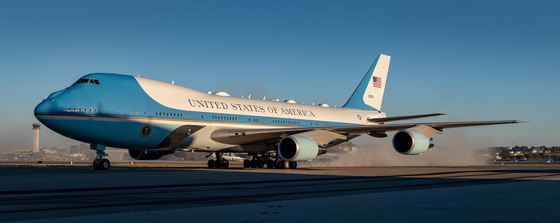 Long Beach: President Biden & Governor Newsom Arrive In Air Force One Ahead of Recall Election