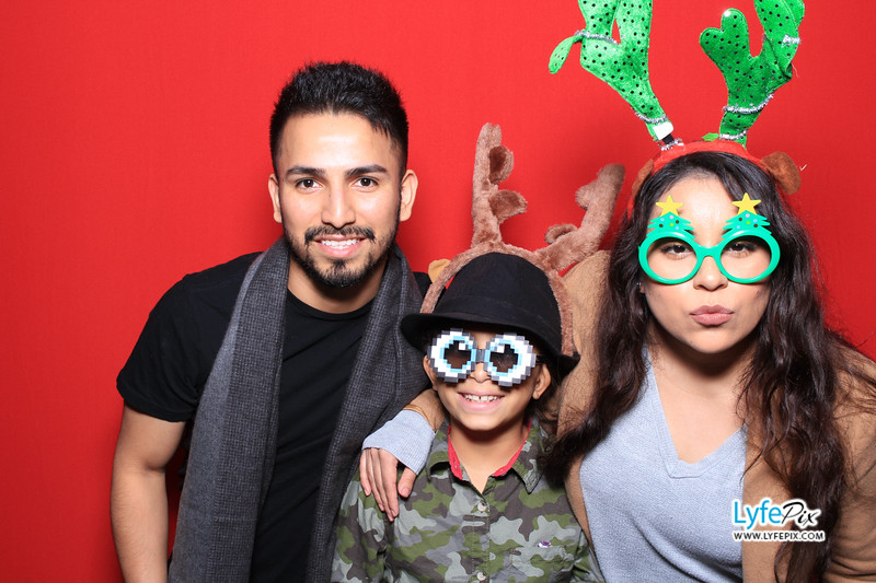 eastern-2018-holiday-party-sterling-virginia-photo-booth-0176.jpg