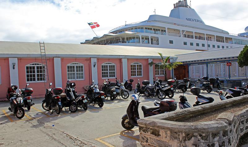 Bermuda-Hamilton-Front-Street-09.JPG