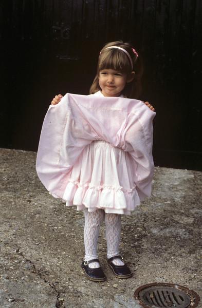 Amanda in Kingsclere 1985 #2.jpg