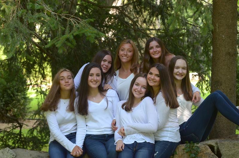 Julia Friend Group Pics - 74 of 308.jpg